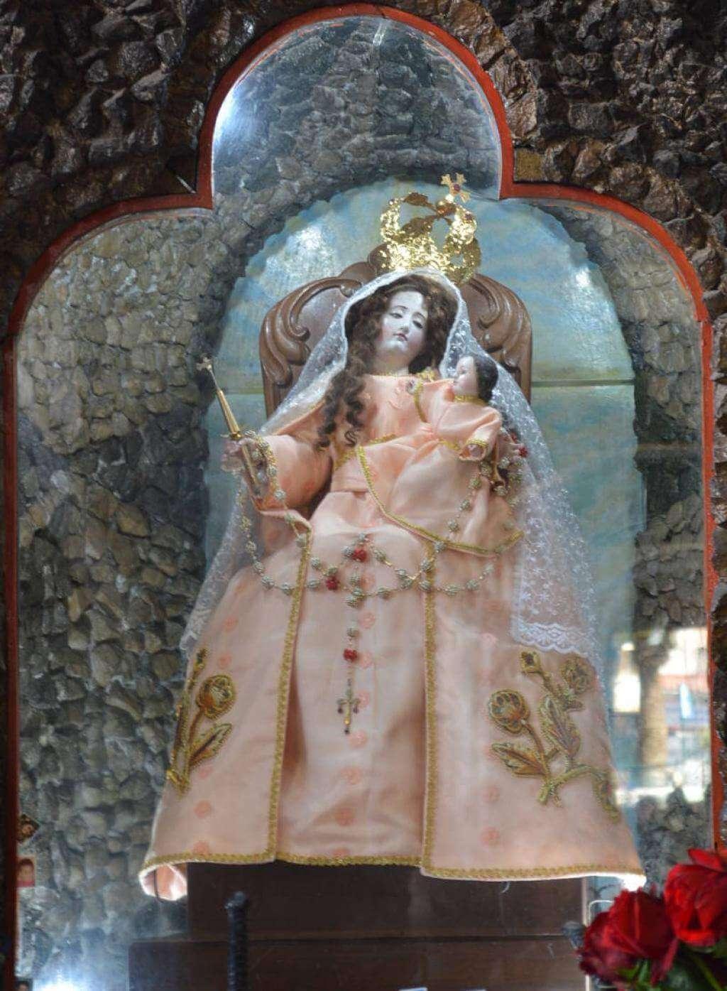 Reina del Santísimo Roasrio de Agua Santa